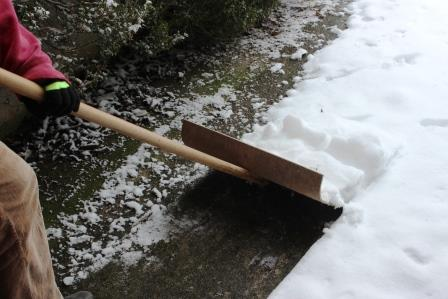 Healthy Shoveling Tips